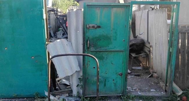 Частные дома Торецка разгромили боевики - фото из АТО