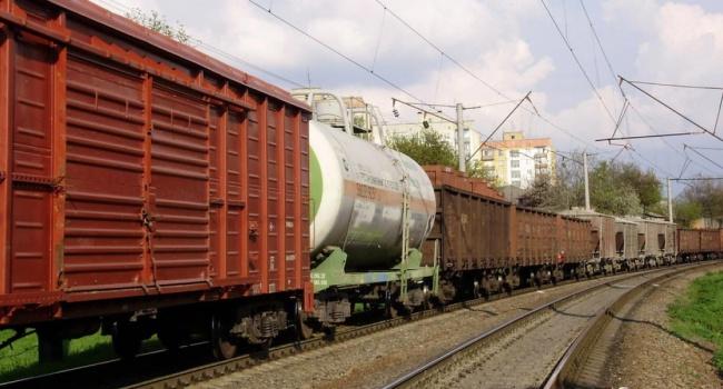Російські обмеження б'ють по економіці України