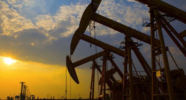 Обвал цен на рынке нефти продолжается