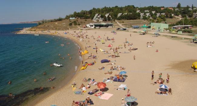 Появились новые снимки с пляжей Крыма: «ажиотаж» продолжается