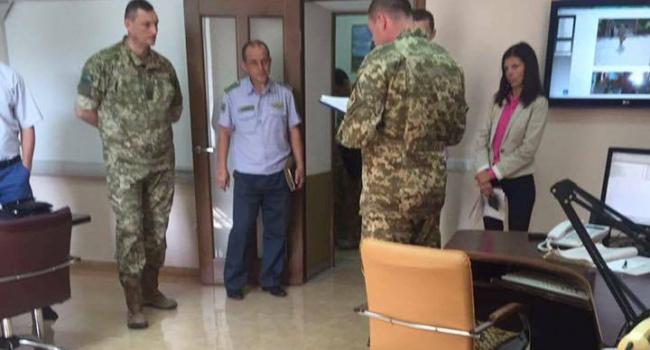 В помещении погранслужбы государства Украины начались обыски