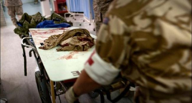 ВДнепр доставили 2-х раненых бойцов АТО вочень тяжелом состоянии