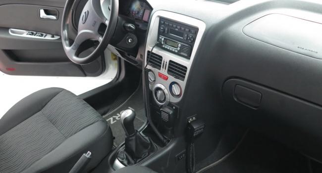 ЗАЗ передает полиции 18 автомобилей