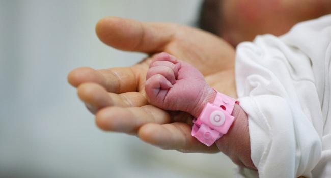 ВПавлограде отец безжалостно убил 8-месячного малыша иизбил женщину
