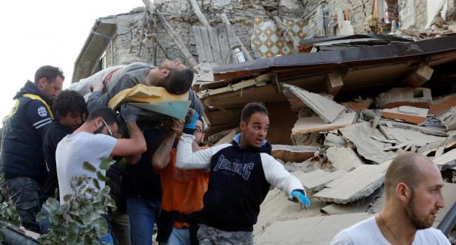 Число жертв в итоге землетрясения вИталии возросло до281