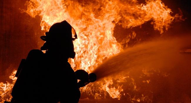 17 человек погибли впожаре наскладе в столицеРФ