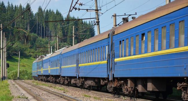 ВОдессе школьник погиб, пытаясь сделать селфи накрыше поезда