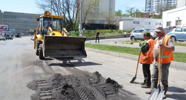 В четверг в столице ограничат движение из-за ремонта дорог