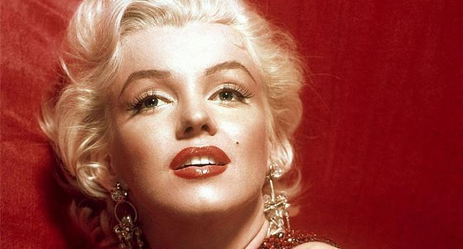 С аукциона в США продадут самый знаменитый наряд Мэрилин Монро