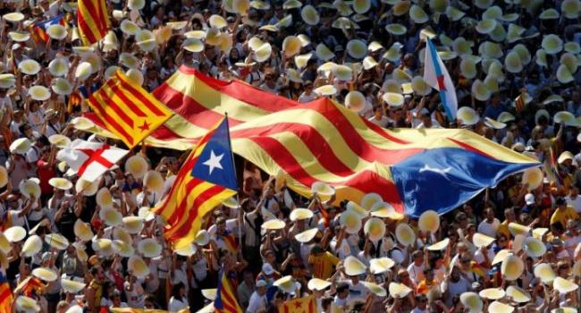 Сотни тыс. каталонцев митинговали занезависимость отИспании