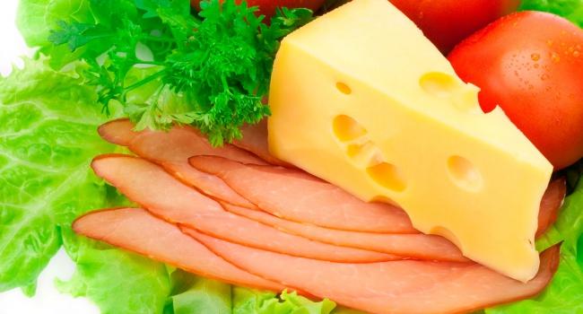 ВСевастополе уничтожили 40кг«санкционных» сыров иколбас