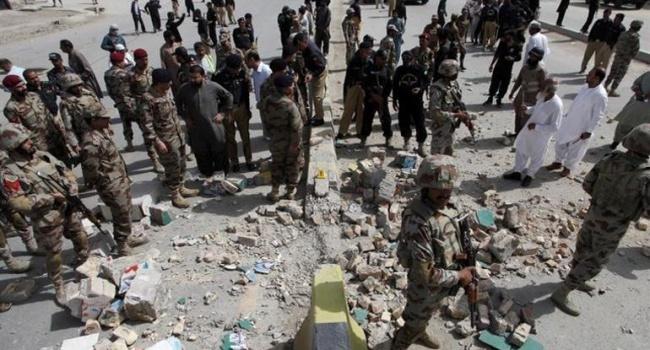 ВПакистане смертник подорвал мечеть