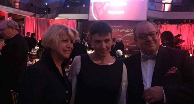 Сарафан ивышиванка: Савченко «засветилась» вСША