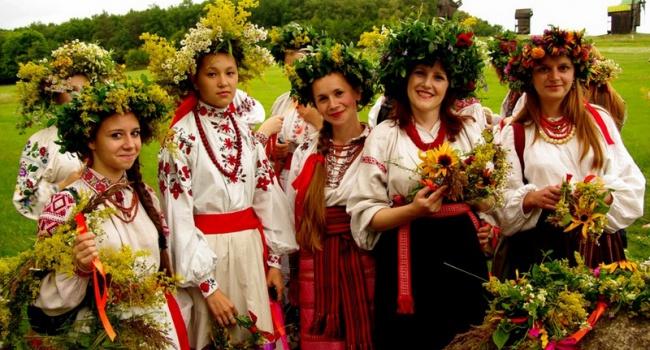 65% украинцев считают себя счастливыми