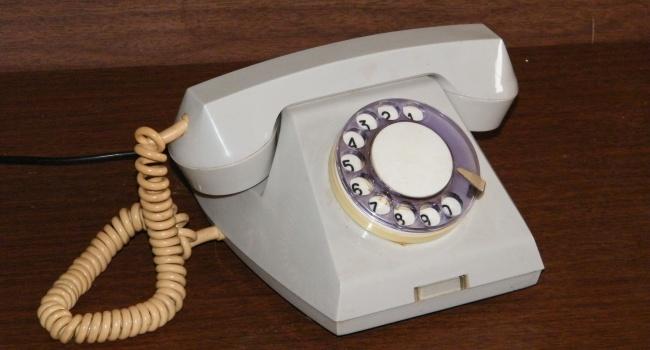 До конца года в Украине подорожает телефонная связь