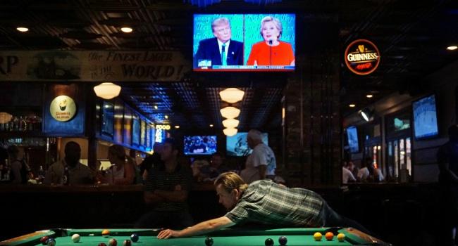 Украина во время американских дебатов осталась за кадром – эксперт