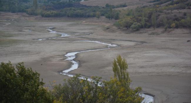 ВКрыму высохло одно изкрупнейших водохранилищ полуострова