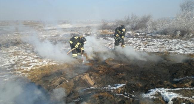 НаТернопольщине пятые сутки продолжается тушение возгорания торфа