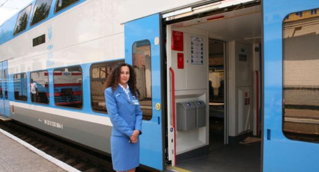 «Укрзализныця» возвращает намаршрут второй поезд Skoda