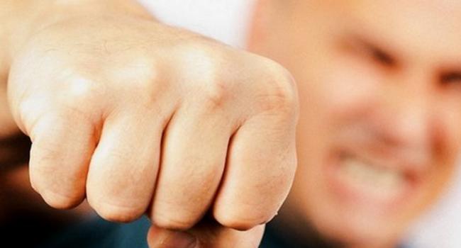 ВСевастополе избили чиновницу, которая попросила заработную плату — Нравы оккупантов