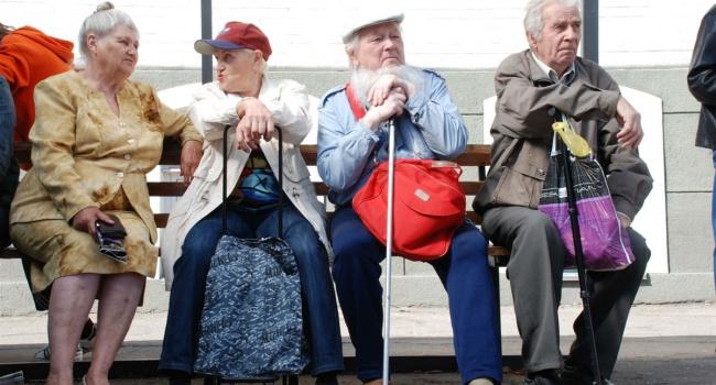 Индексация пенсий не сделает украинских стариков богаче
