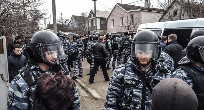 Адвокат: Затриманим уСтроганівці кримським татарам пред'явили підозру втероризмі