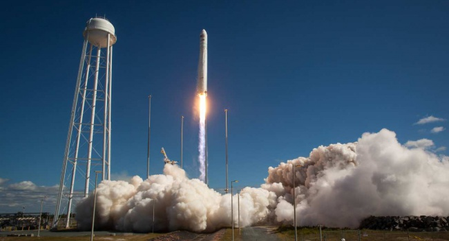 NASA благополучно  запустило ракетоноситель сукраинским агрегатом