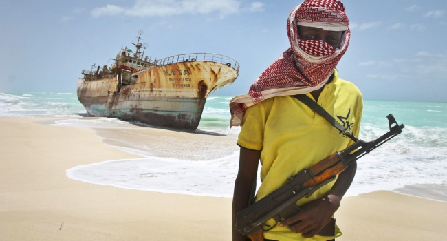 Пираты изСомали освободили моряков, находившихся вплену с2012 года