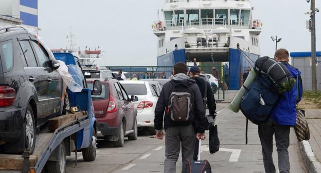 Керченская переправа вновь закрыта из-за ветра