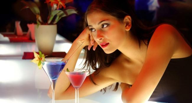 Исследование: женщины догнали мужчин попотреблению алкоголя