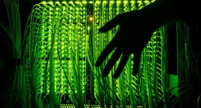 Як зараз почуваються кремлівські клерки, знаючи, що по їх комп'ютерах бродять українські хакери? – блогер