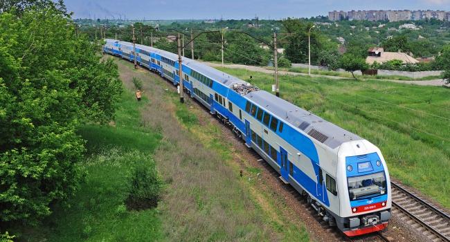 Двухэтажный поезд «Харьков-Киев-Винница» начнет курсировать с4ноября
