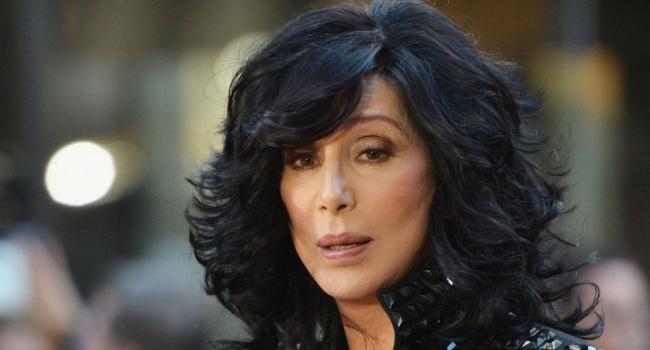 70-летняя эстрадная певица Шер объявила орешении покинуть сцену из-за возраста