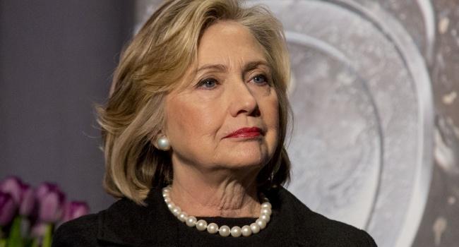 Обама осудил директора ФБР завозобновление дела против Клинтон