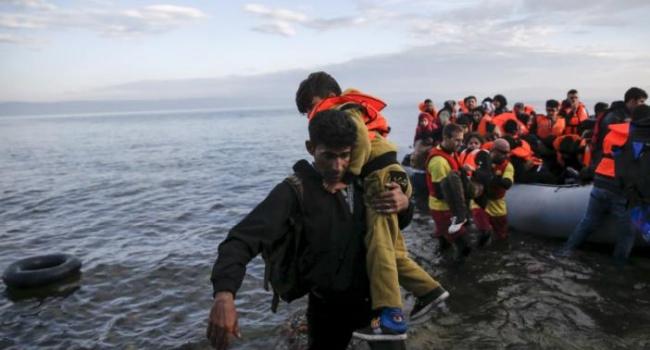 Предложение МВД ФРГ посылать спасенных мигрантов вАфрику подверглось критике