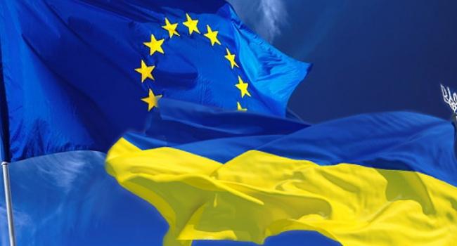 Хан— Порошенко: ЕСвближайшие недели рассмотрит безвиз для Украинского государства
