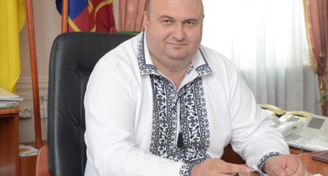 С15 миллионами сбережений губернатор просил угосударства пособие побезработице