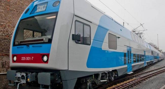 «Укрзализныця» запустит всего 4 поезда кновогодним праздникам