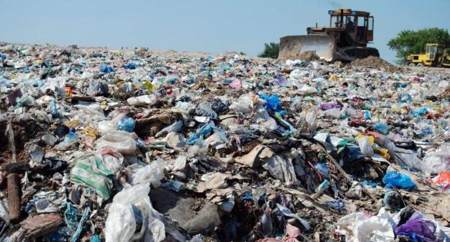 Львовский сор нелегально выгружают около Борисполя
