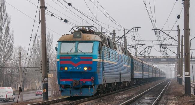 Укрзализныця пустит дополнительные поезда кпраздникам