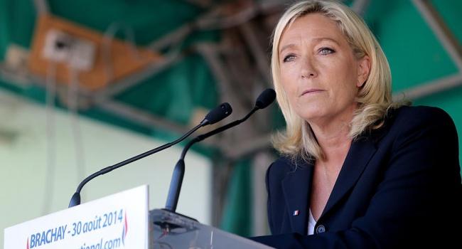 ЛеПен опережает Саркози попопулярности практически на30% — Опрос