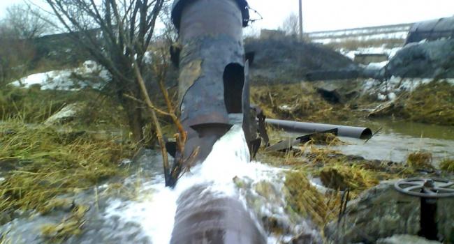 ГСЧС: граждане Торецка остались без воды в итоге артобстрела боевиков
