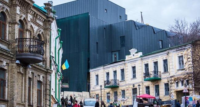 Киевляне шокированы новым видом муниципального театра— Похоже накрематорий