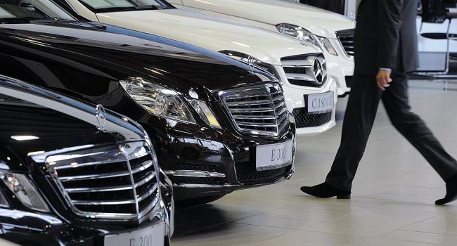 Спрос нановые легковые автомобили вконце осени вгосударстве Украина вырос наполовину
