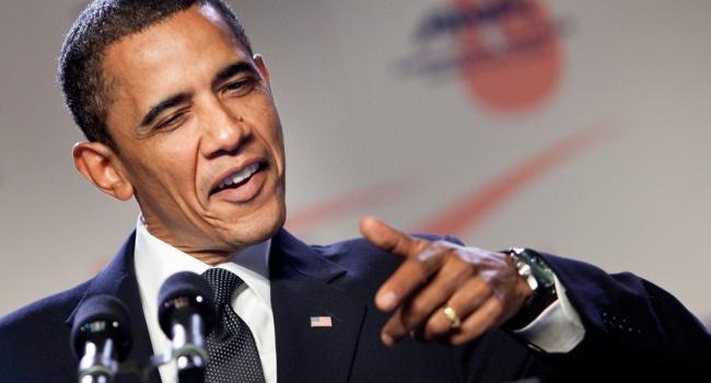 Обама впоследний раз вкачестве президента США зажег рождественскую елку