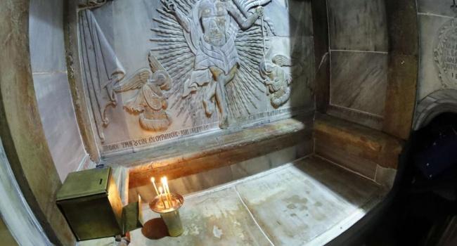 Это действительно Гроб Господень, найденный вIV веке— Археологи
