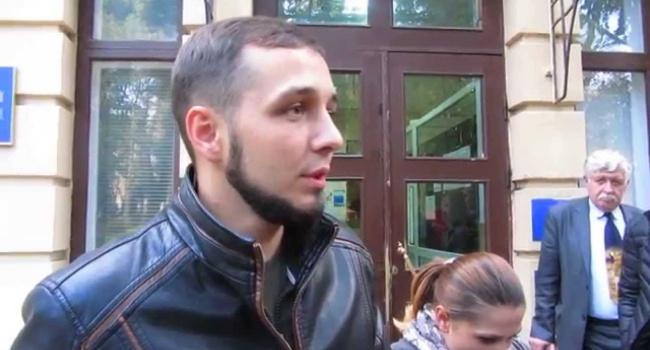 На свободу вышел активист Хорт, порвавший портрет Порошенко