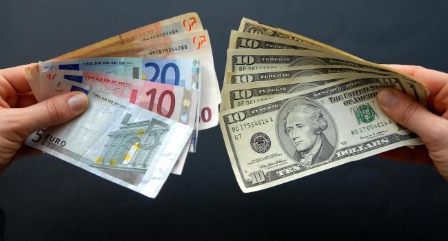 НБУ: Украинцы осенью увеличило покупку валюты на78,7%