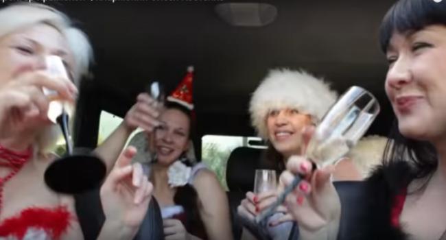 Босс крымской филармонии снялась вэротическом новогоднем клипе