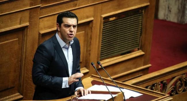 Греческий парламент после затяжного обсуждения утвердил бюджет на 2017г